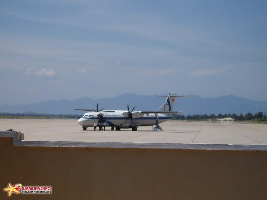 самолет местный перелет из хошимина в нячанг на винтовом ATR-72 | Вьетнам. Ня Чанг.