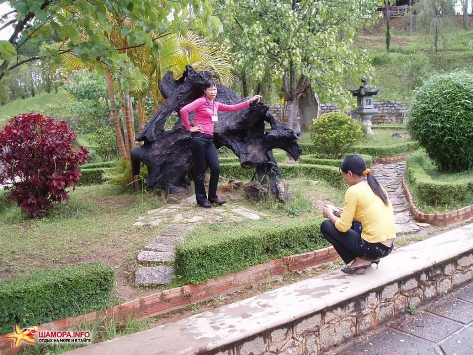 турыстки   Вьетнам. Далат.