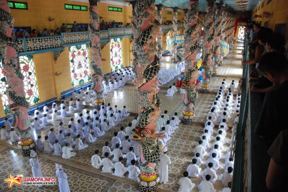 Фото 6873   Вьетнам. Храм Као Даи.