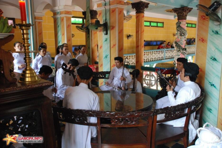 Фото 6874 | Вьетнам. Храм Као Даи.