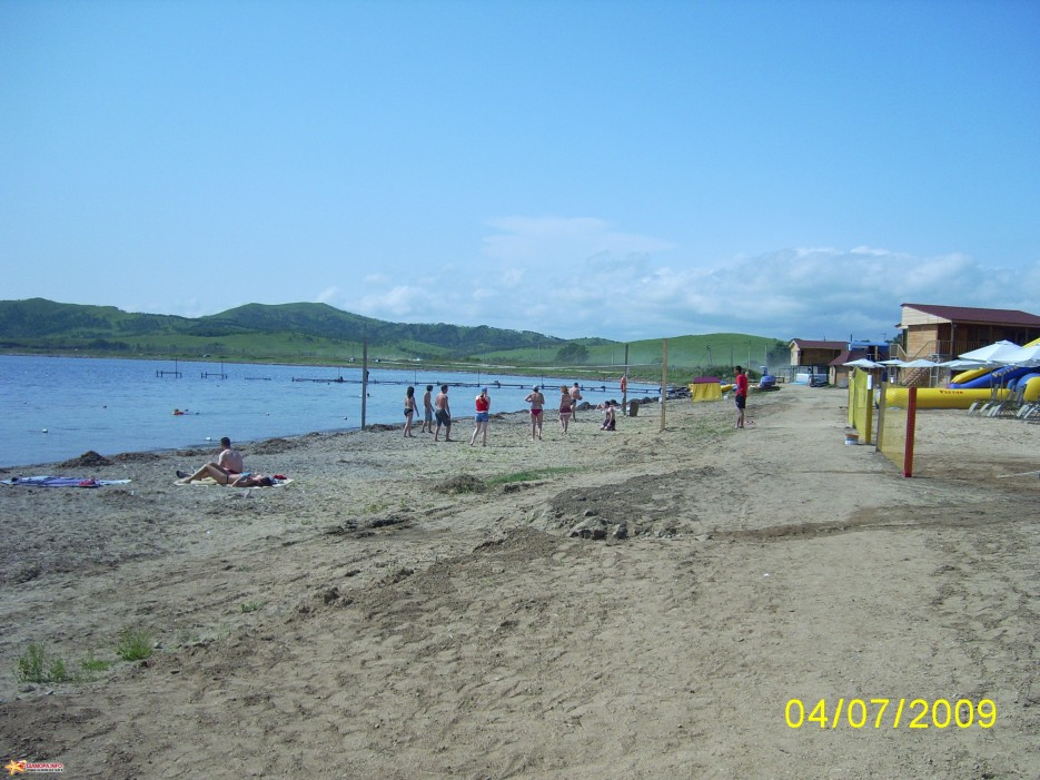 Фото 8621   Б.о.Гаити: общий вид базы (июль 2009)