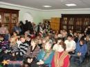 В маленьком зале библиотеки Общества изучения Амурского края собралось более 100 чел.