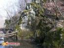 Скалы вдоль Алексеевки Пока нет зелени скалы хорошо видны.