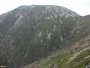 Крутая Облачная Гора поражает своим величием и крутизной склонов.