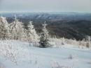 Огромность мира Вдали Партизанский хребет, белые вершины &emdash; это гг. Лысая и Белая