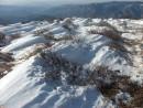 Снежные холмики на вершине горы Лысой