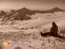 Вид со ст. Мир на Кавказские горы, устоять невозможно (внизу часть спуска Мир-Кругозор)