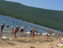 Лето, Шамора, жара Пляж Шамора удобен всем, Купаться в море еще можно. Туда мы едем без проблем.... Назад уехать очень сложно...