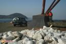 Финиш Попробуйте перепрыгнуть через кучу мусора и льда, если остались силы, и путешественнки — на берегу великого Океана.