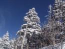 Синее горное небо на вершине Фалазы.