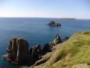 Непреспутные скалы острова Рикорда.