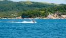 Отдыхающих в Андреевке катаются на морском мотоцикле