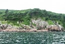 Скалистые берега острова Антипенко. Хасанский район. Недалеко от Славянки.
