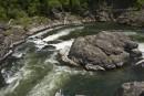 Кема - прекрасная чистая река. Отличное место для сплава, рыбалки и просто отдыха! Река окружает маленький каменный островок, который напоминает черепаху.