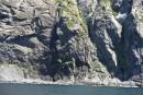 Остров Аскольд, он буквально весь источает мелкие водопадики.