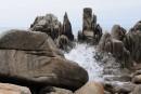 Трон царя Нептуна. Камни и лагуны бухты Триозерье. Поселок Врангель. Лазовский район.