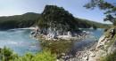 Панорама на бухту Теляковского с острова Тревожного сердца. В 8 метровом проливе глубина по колено но ежей немерено.