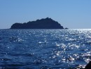 Остров стоит посреди океана