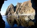 Пререход через грот, рядом с бухтой Орлан, пос. Преображение.