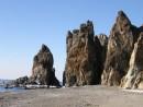 Скалы, рядом с бухтой Орлан, пос. Преображение.