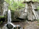 Первый водопад на ручье Кравцовском - называется Опасный (Сказка). Интересное различие в названиях )