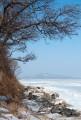 Вид с северного берега Песчаного на бухту Песчаную и мыс Атласова.