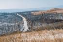 Основная дорога, соединяющая села Песчаный и Береговое с жд дорогой.