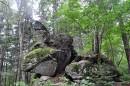 Чёртов палец (хотя многие так называют камень Маори, что на вершине).