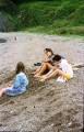 берег - крупный песок, галька. Воды нет.