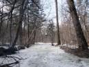 русло пока еще закрыто льдом