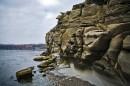 Необычные скалы. Полуостров Тобизина.