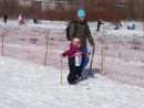 17.Такой маленький, а уже на лыжне.