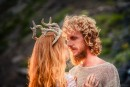 он встретил ее на краю земли, да дальнем берегу острова.....