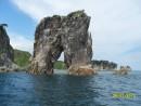 Кекур Штаны в восточном районе морского заповедника