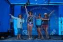 По возвращении в Славянку 8 августа вечером на фестивальной площадке: Художники приветствуют бардов, а барды - художников