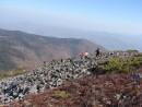 22.Начало спуска с вершины горы.