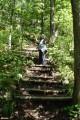 08.Вниз по ступеням. В ущелье р.Средняя Амгу идут ступени по крутому склону.