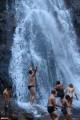 21.Купание в водопаде.