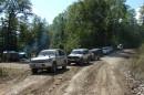 10.Колонна машин на дороге вдоль р.Кема.